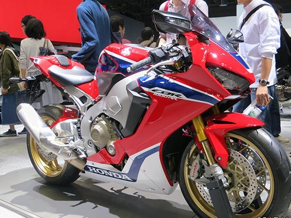 おすすめ 大型バイク ツアラー CBR1000RR GooBike